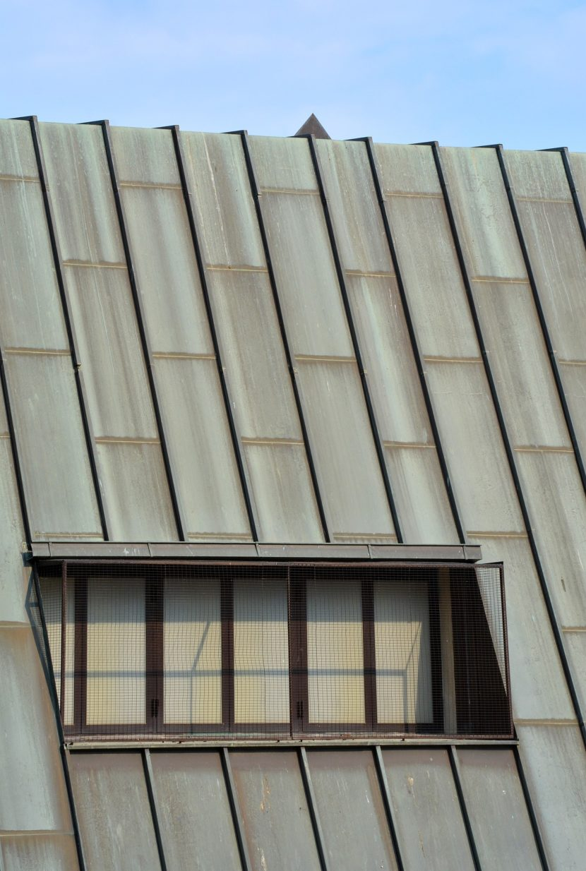 The Pros and Cons of Corrugated Roofing
